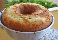 Ingredienti: Ciambellone allo yogurt per diabetici150 gr di farina 003 uova125 gr yogurt magro80 gr di fruttosio40 gr olio di semi di girasole1 mela tagliata a cubetti1 limone1/2 bustina di lievito per dolciCiambellone allo yogurt per diabetici: sbattete le uova con il fruttosio. Aggiungete l'olio continuando a sbattere. Setacciate le farina con il lievito. Aggiungete…