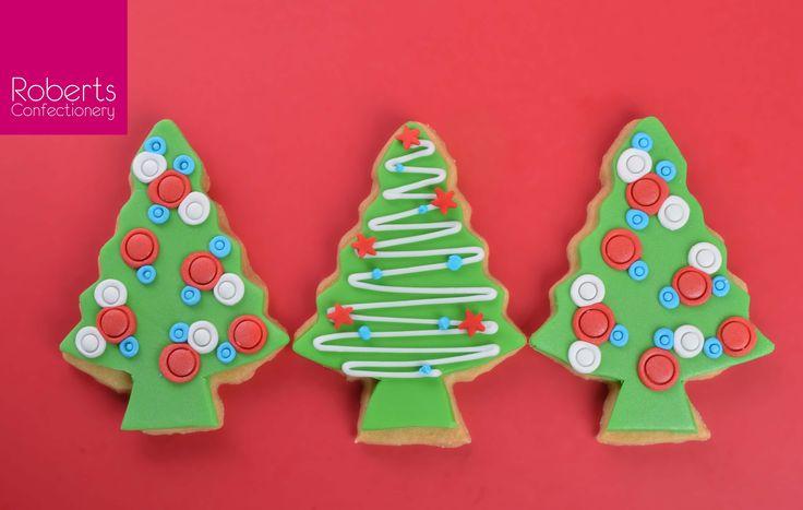 Christmas Tree Cookie using Satin Ice Fondant