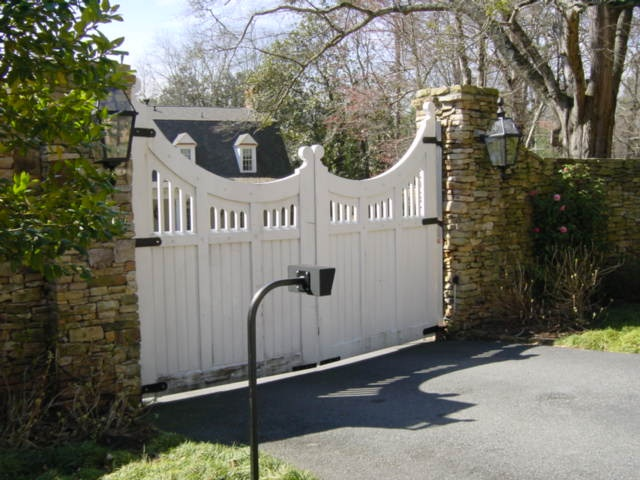 driveway gate example photographed around Atlanta