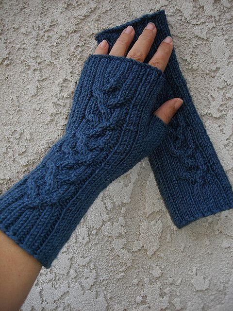 Fingerless Gloves Knitting Pattern Ravelry : 1000+ images about Fingerless Gloves, Wrist Warmers & Mittens on Pin...