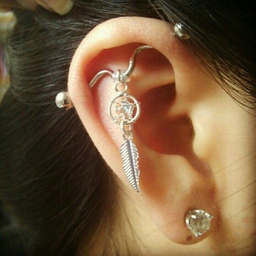 I don't have a desire to have an industrial piercing.. But I do love this ring
