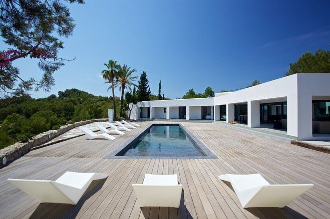 Europe house of the day minimalist ibiza villa photos for Modern minimalist villa