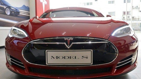 Wireless charging is finally coming to the Tesla Model S thanks to an aftermarket manufacturer http://ift.tt/1QdcGi0  Aside from range anxiety remembering to plug your car in might be the worst part of EV ownership. Thankfully that might soon be a concern of the past for the Model S thanks to Plugless an aftermarket wireless EV charger company.  See also: Volvo is the first carmaker to replace keys with an app  Plugless is now taking $244 refundable deposits for its wireless Model S charging…