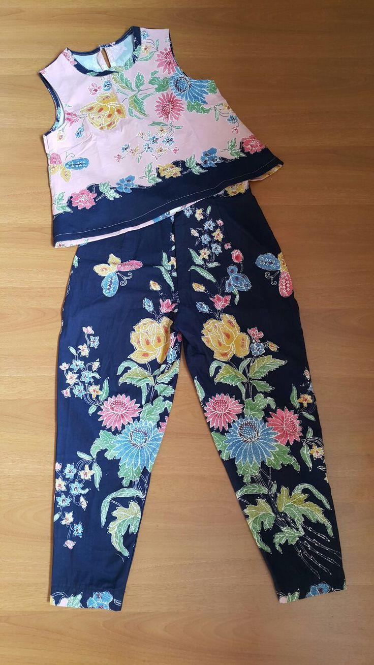 Batik bunga, batik encim pekalongan Indonesia