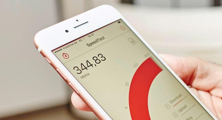 Vodafone ab sofort schnellster LTE-Anbieter in Deutschland (375 Mbit/s) - https://apfeleimer.de/2016/09/vodafone-ab-sofort-schnellster-lte-anbieter-in-deutschland-375-mbits - Vodafone baut das LTE Netz weiter aus: in 30 deutschen Städten startet Vodafone das neue 4.5G Ausbauprogramm und bietet LTE-Speed mit bis zu 375 MBit/s. Mit dem iPhone 7 und iPhone 7 Plus sind Übertragungsgeschwindigkeiten bis zu 450 Mbit/s möglich. Damit setzt sich Vodafone vor die Konkurrenz de...
