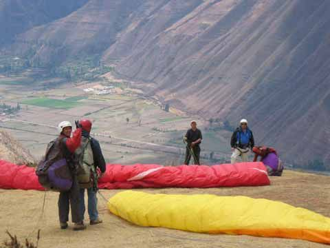 Aventura Peru | Curso Parapente, Tandem, Jump en Chincheros | Parapente Cusco, Parapente Chinchero