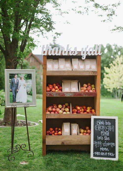 fall wedding food table / http://www.himisspuff.com/fall-wedding-ideas-themes/8/