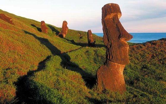 Paskalya Adası'ndaki gizemli heykeller