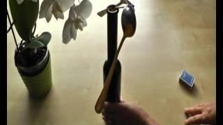 Pokusy z fyziky Těžiště a stabilita - lžíce a vidlička