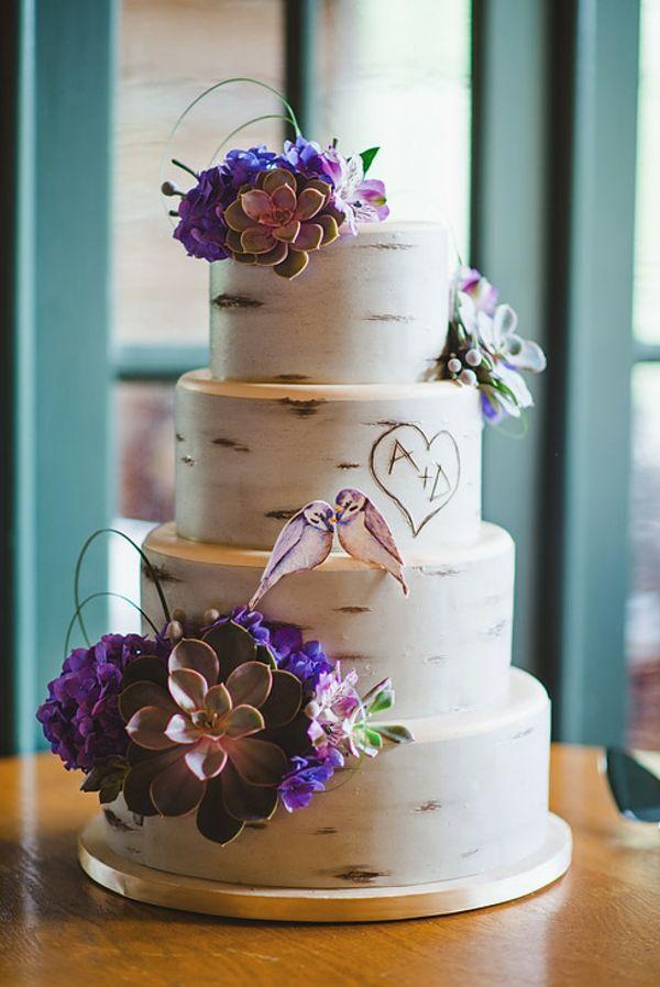 hochzeitstorten birkenrinde look glasur sukkulenten lila hortensien ...
