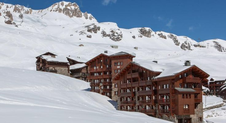 Résidences Village Montana Tignes These residences are located at the foot of the ski slopes in the prestigious Espace Killy resort. Résidences Village Montana offers 2 lounge bars, ski storage and on-site ski hire.