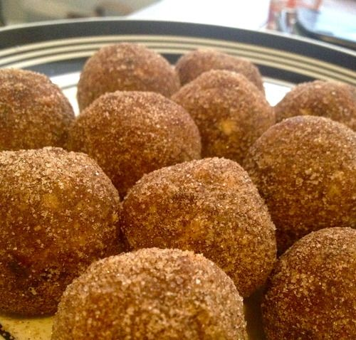The Collegiate Vegan-Awesome blog with tons of recipes. This is one for raw truffles.
