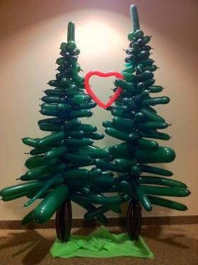 Cool balloon trees  Tammy take a look ... could snow these ect... : )