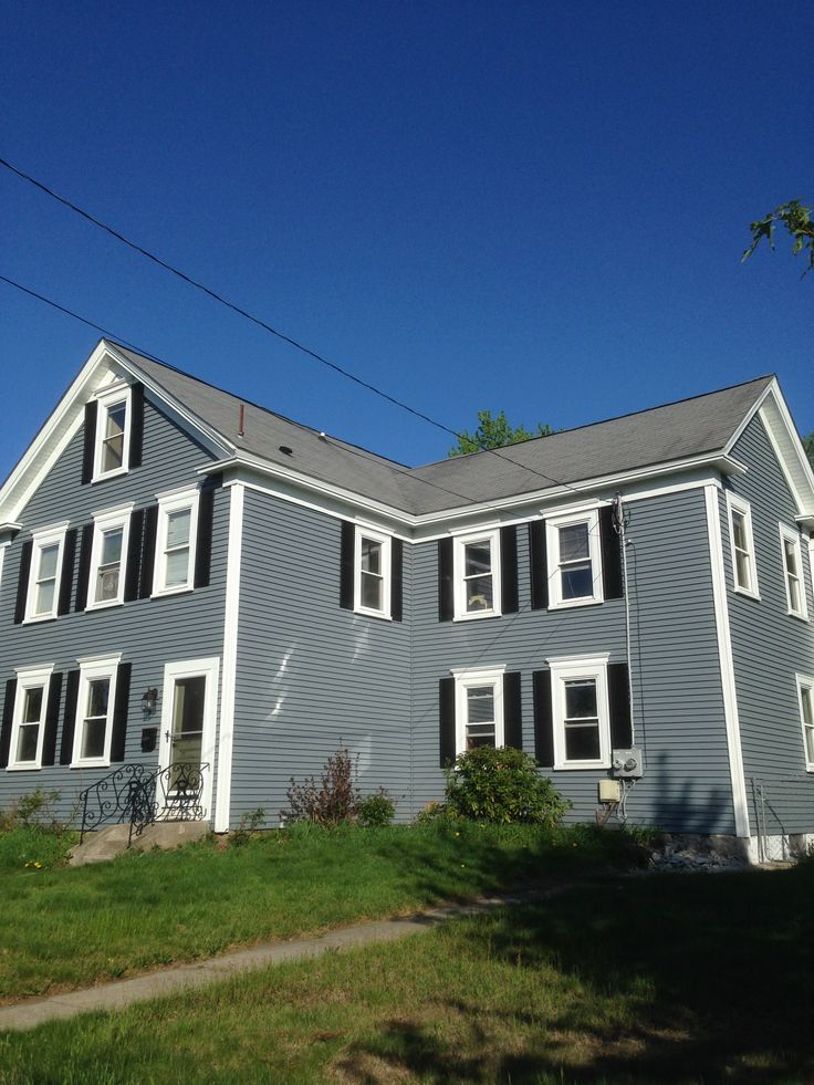 Mastic carvedwood vinyl siding in english wedgewood with for Wedgewood builders