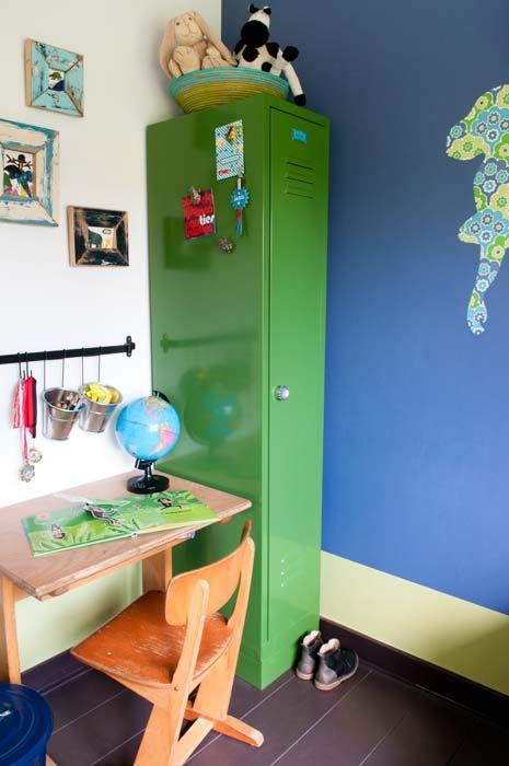 KARWEI | De groene lockerkast past perfect in een stoere jongenskamer #binnenkijker #ideevankarwei #karwei