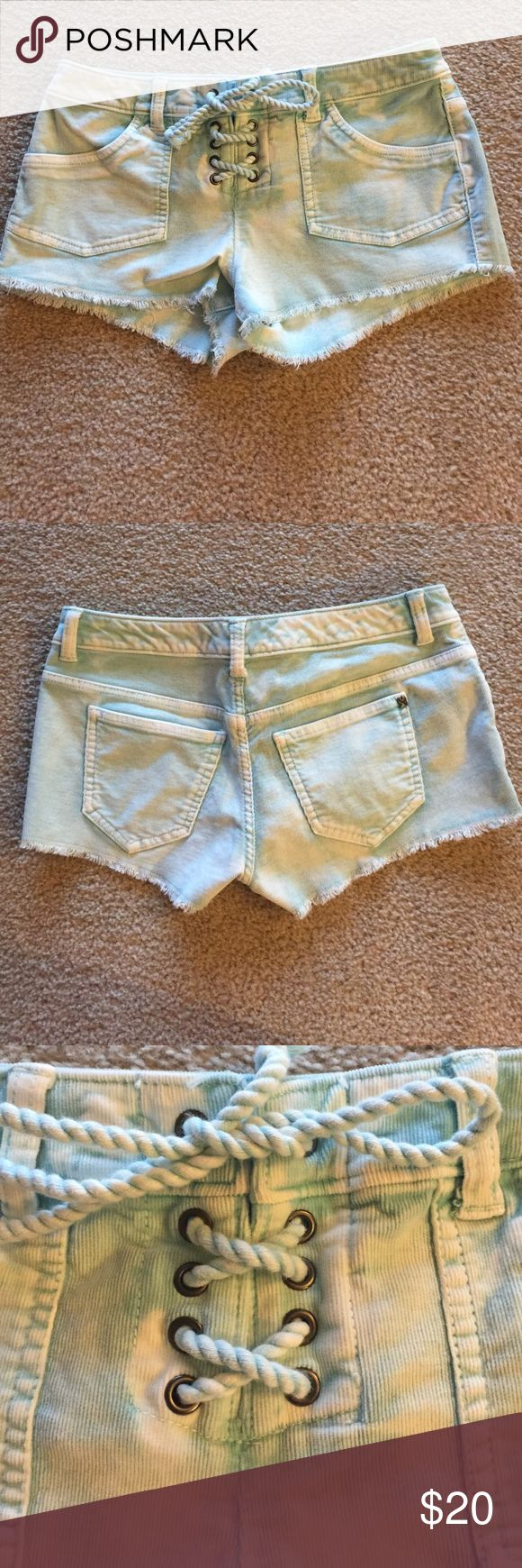 Victoria's Secret Boyfriend Short Sz 0 Aqua shorts that tie in the front. The waist measures about 14' and the inseam is 2.' These are adorable shorts and the color is beautiful. NWOT Victoria's Secret Shorts