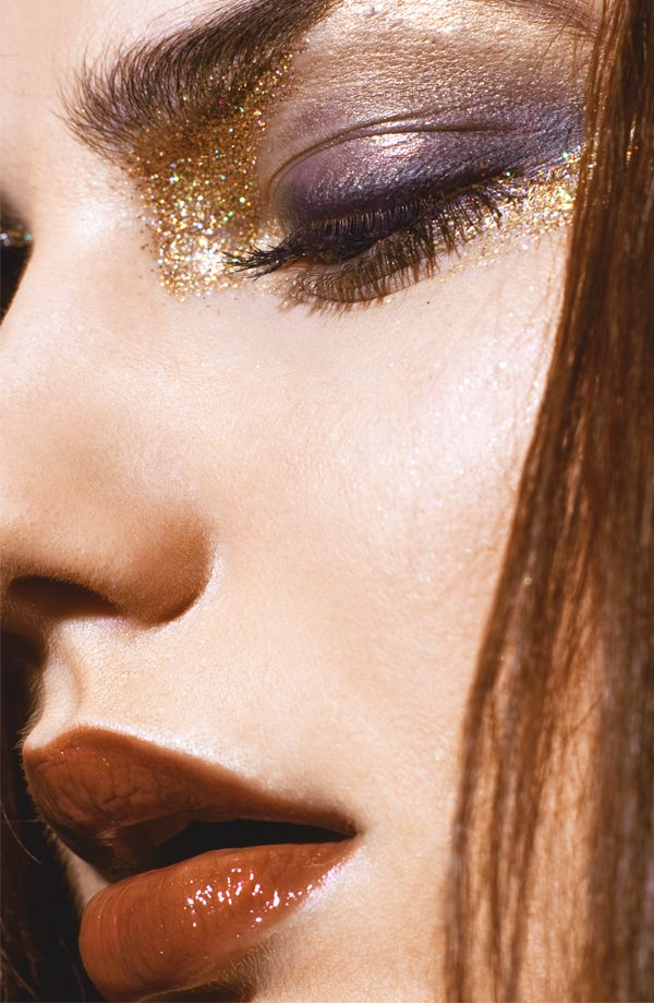 all that glitters is gold | gold + purple lids | reddish brown mouth | makeup. - focus on lips