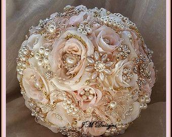 Dusty Rose broche boeket stoffige Rose en goud aangepaste