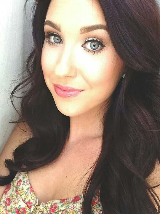 jaclyn hill dark hair. i love jaclyn hill and her hair color dark e