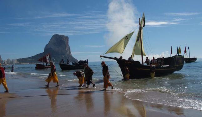 Desembarco #Calpe Fiestas de Moros y Cristianos Programa http://blog.grupoturis.com/2014/1/fiestas-moros-cristianos-calpe-octubre/