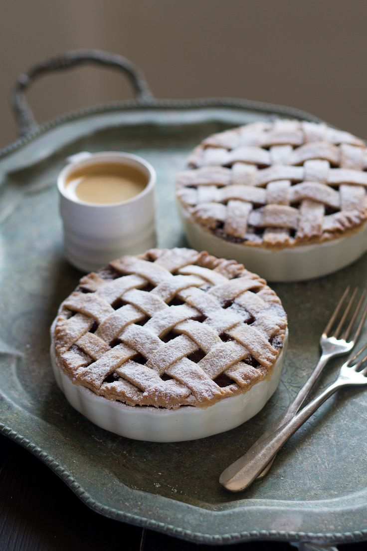 Our vegan apple pie will knock your socks off. We've encased a rich apple, raisin and cinnamon filling in a crumbly pastry case with a lattice top.