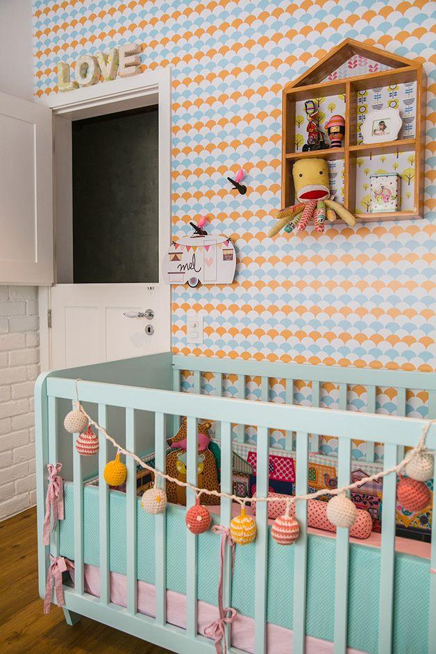 Quartos de bebê em tons pastéis  Estão se tornando difíceis de encontrar acreditam? A preferência tem sido pelas cores vivas.