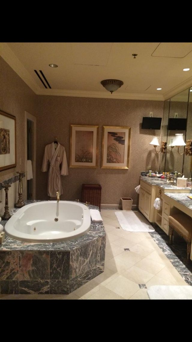 17 best images about our ysbh travels on pinterest for Venetian hotel bathroom photos