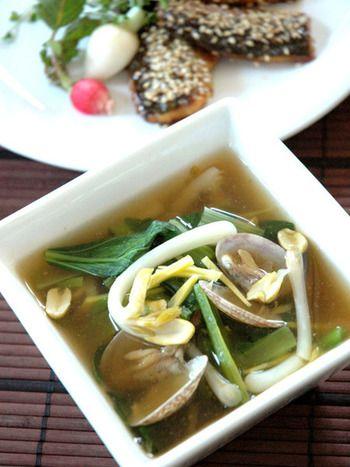 「タウリン」を含む貝類は、肝臓の解毒効果を向上させる働きがあり二日酔いの朝にもぴったりなスープです。