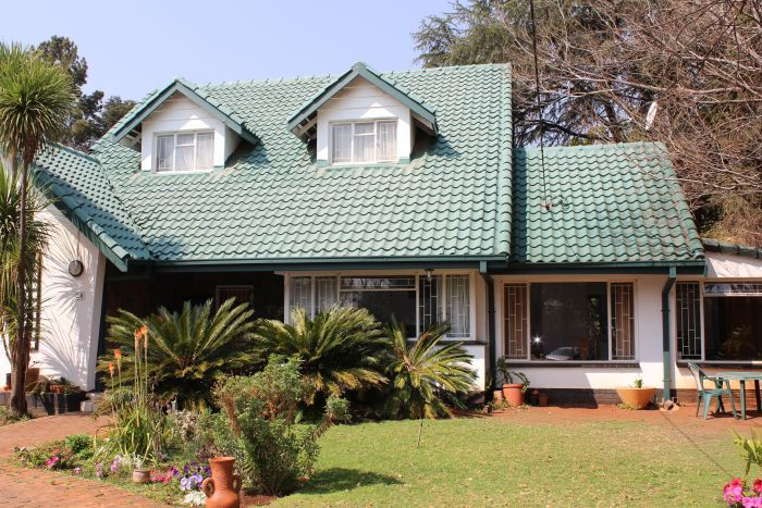 4.00 Bedroom/s, 2.50 Bathroom/s Property For Sale in CENTURION CLUBVIEW