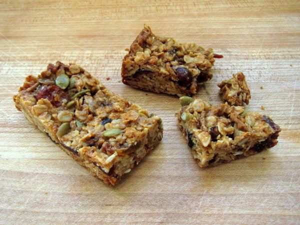 Consider this your secret weapon. Chewy granola bars are an incredibly easy recipe that can serve as a tasty, healthy breakfast, snack, or even a health-conscious dessert (depending on what sorts o…