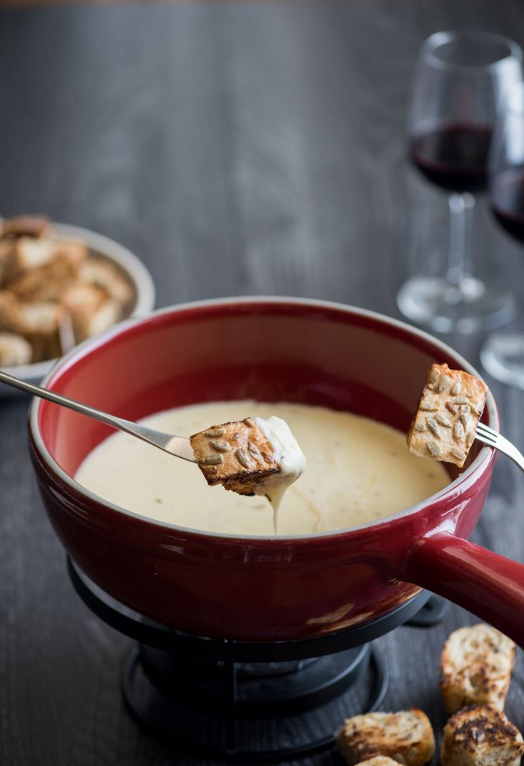 White apron brea - Swiss And Gruyere Cheese Fondue Paired With La Brea Bakery S Sunflower Honey Loaf In Honor Of