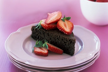 Just because it's Monday, doesn't mean you can't eat chocolate cake. In any case, this flourless version is low in both carbs and fat, so it's free of sin and full of taste!Carb Chocolates, Low Carb, Low Fat Things, Flourless Chocolate Cakes, Eating Chocolates, Flourless Version, Yummy Cake, Flourless Chocolates Cake, Birthday Cake