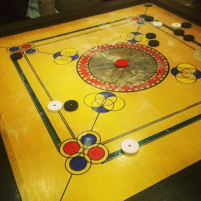 Carum board game with the family full on desi style lol #carum #game #desilifestyle #desifun