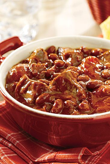 Tender beef and chili beans in a mouthwatering tomato sauce