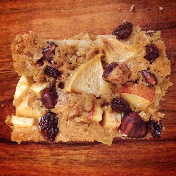 Apple, hazelnut, raisin, vanilla, muscovado sugar   #vegan #organic #cake