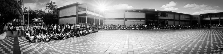 Panorámica Colegio La Paz acto cívico día de la Independencia
