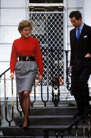 January 10, 1990: Prince Charles & Princess Diana leaving Prince William & Prince Harry at Wetherby school in Notting Hill.