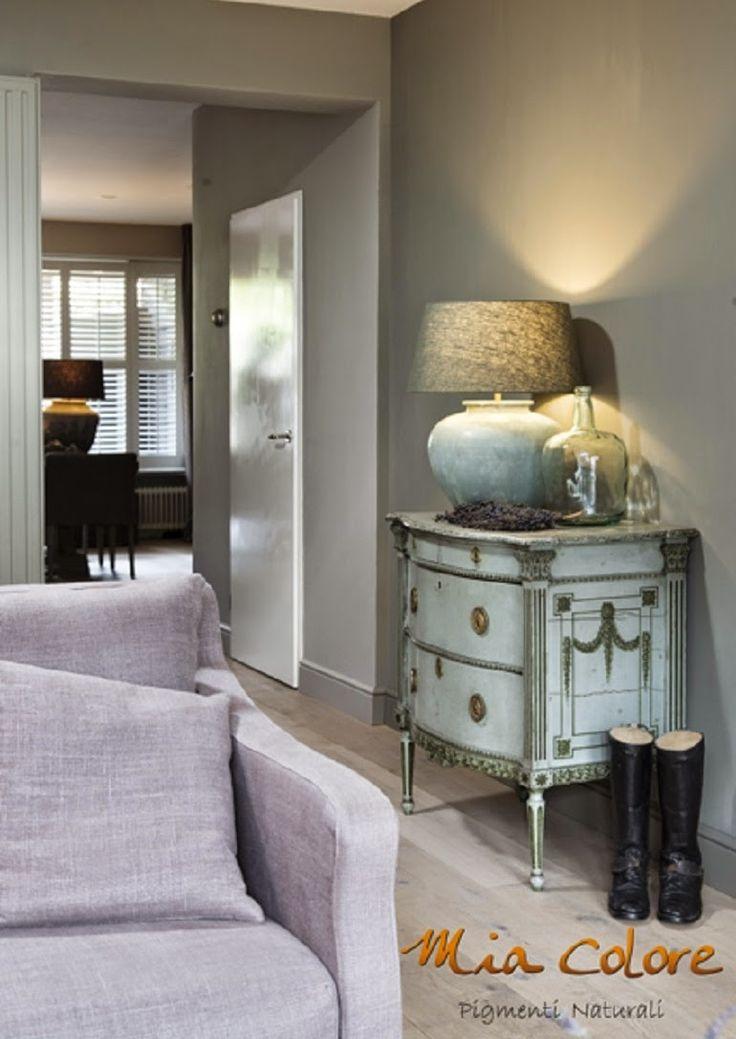 #verf #paint #kalkverf #krijtverf #landelijk #wonen #interieur #interior #tijdloos #contemperary #living #home http://leemconcepts.blogspot.nl/2015/03/welkom-mia-colore-en-cote-table-warme.html