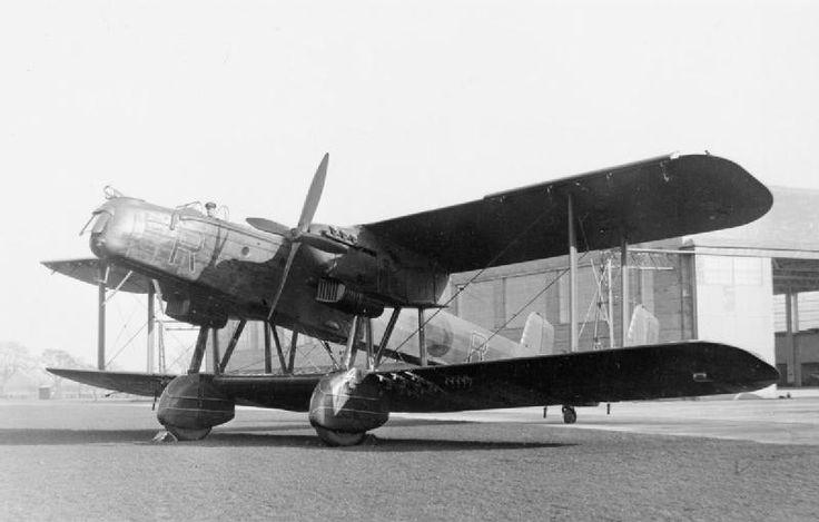 1930 - Royal Air Force (RAF) Handley Page Heyford (Twin-Engined Piston Biplane Heavy Bomber)