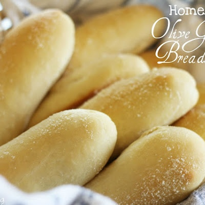 Homemade Olive Garden Breadsticks (really good, but cook less than directed)
