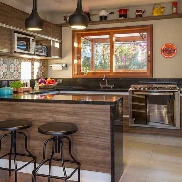 """611 curtidas, 9 comentários - Hora da Decor  By Rhani Santos (@horadadecor) no Instagram: """"Cozinha amadeirada é tudo de bom. Autoria desconhecida. #projeto #designdeinteriores  #design…"""""""