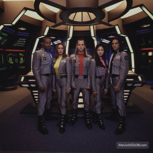 Power Rangers in Space promo shot of Patricia Ja Lee and others
