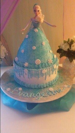 Queen Elsa Cake Design : Elsa cakes, Frozen queen and Queen elsa on Pinterest
