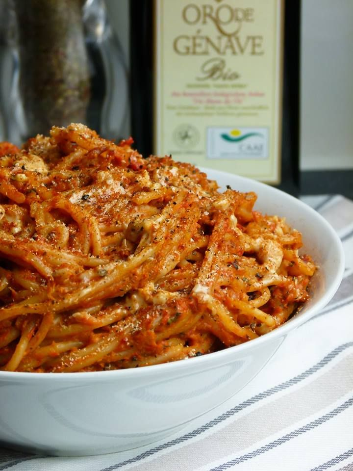 pasta mit paprika-erdnuss soße