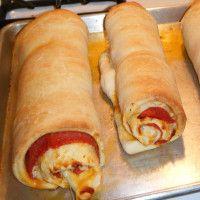 Salámová pizza roláda