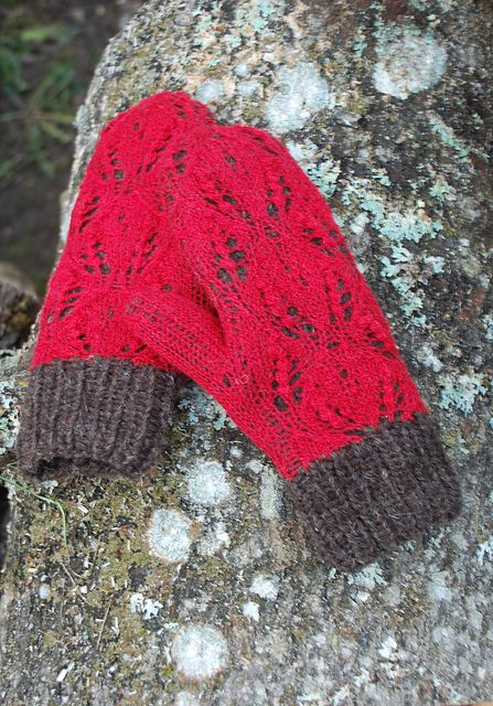 Ravelry: capucino's Mittens with red lace I really like the idea of doing lace over a contrasting color.