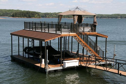 Wahoo Docks dealer Marine Specialties recent installation of a Wahoo CAT 5 double-slip boat dock on Lake Lanier marked the initial use of Spanish tile-shaped, specialty stone-coated sheet metal roofing on a Wahoo dock.