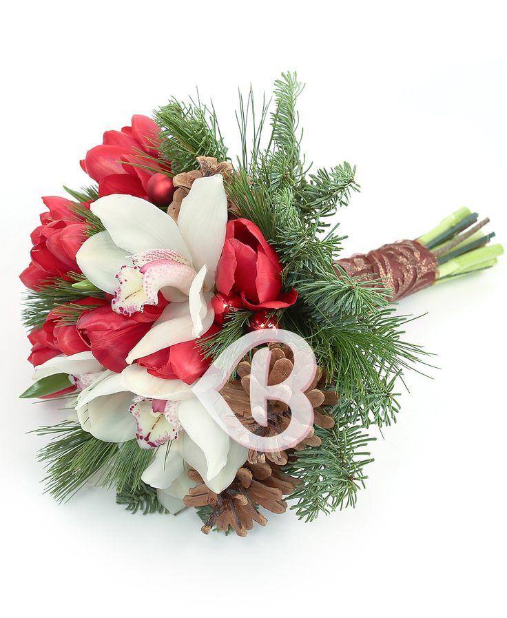 Buchetul elegant poate fi oferit și pentru a transmite felicitări sincere și urări de la mulți ani cu ocazia trecerii în noul an, precum și sănătatea și prosperitatea, sau poate fi plasat pe masa festivă pentru a semnifica abundența.În mărimea normală acest produs conţine: 5 cupe orhidee cymbidium albe, 10 lalele roșii, globuri, verdeață