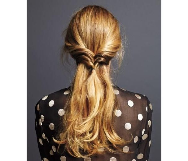 1000 id es sur le th me demi queue sur pinterest coiffures queues de cheval coiffures et cheveux - Demi queue de cheval ...