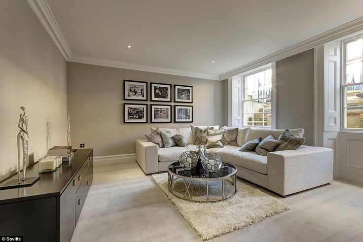 Family room:The house has a Sonos multi-room audio system, controllable via the iPhone or iPad, Rako intelligent lighting in the principle ...